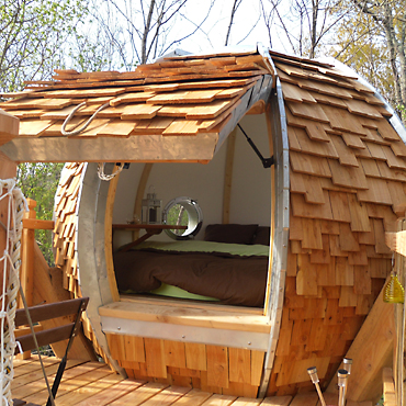 cabane de la colline de bouti s tarn et garonne. Black Bedroom Furniture Sets. Home Design Ideas